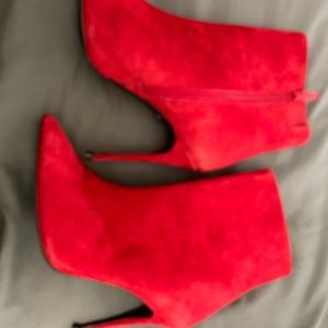 Aldo Shoes - Red felt booties